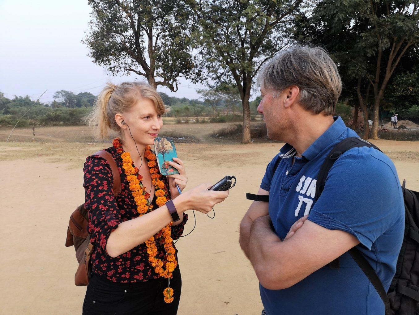 Radioverslag vanuit India met Floris Jan Bovelander